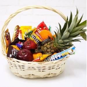 Корзина с фруктами и сладким R340