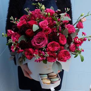 Коробка сборных кустовых пионовидных роз R209